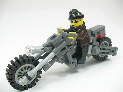 Как сделать из лего мотоцикл