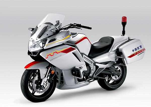 Эскорт из китайских мотоциклов